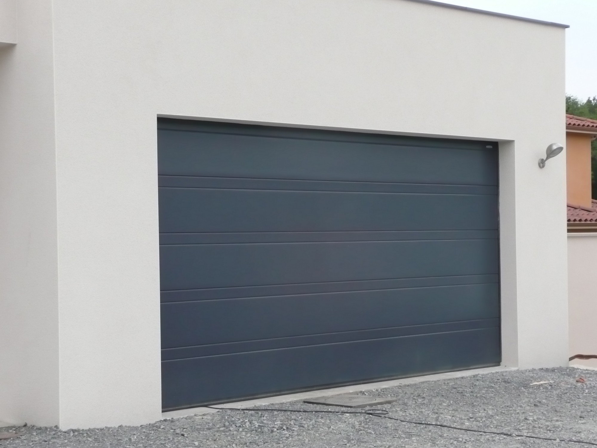 Porte sequentielle garage maison design for Porte de garage industrielle hormann