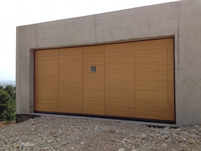 Pose De Portes De Garage Basculantes Sur Mesure Lyon Acces Creation Fermetures